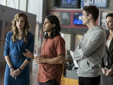 9 Questions We Have About 'The Flash' While It's on Hiatus