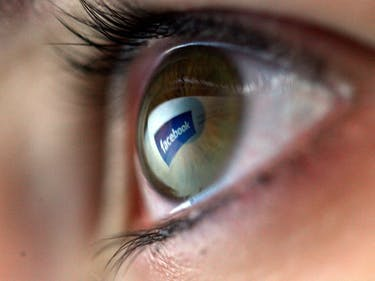 """Facebook Can Understand """"With Near-Human Accuracy"""" Our Trivial Status Updates"""