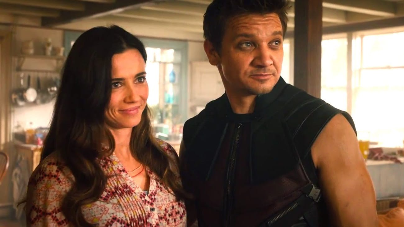 Laura (Linda Cardellini) and Clint Barton (Jeremy Renner).