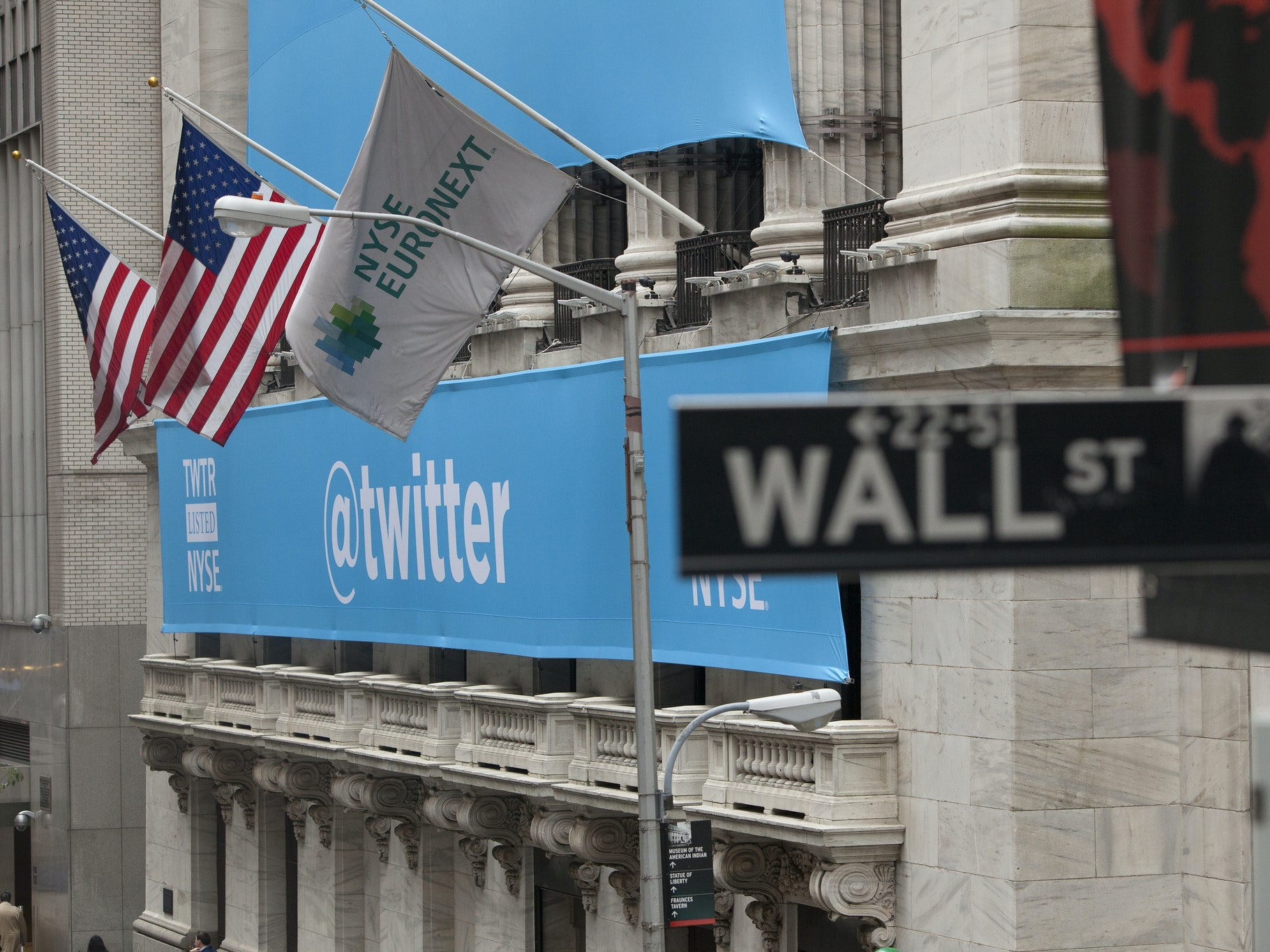 """Twitter to """"Expand"""" on NFL Deal With More Live News, Entertainment Video Streaming"""