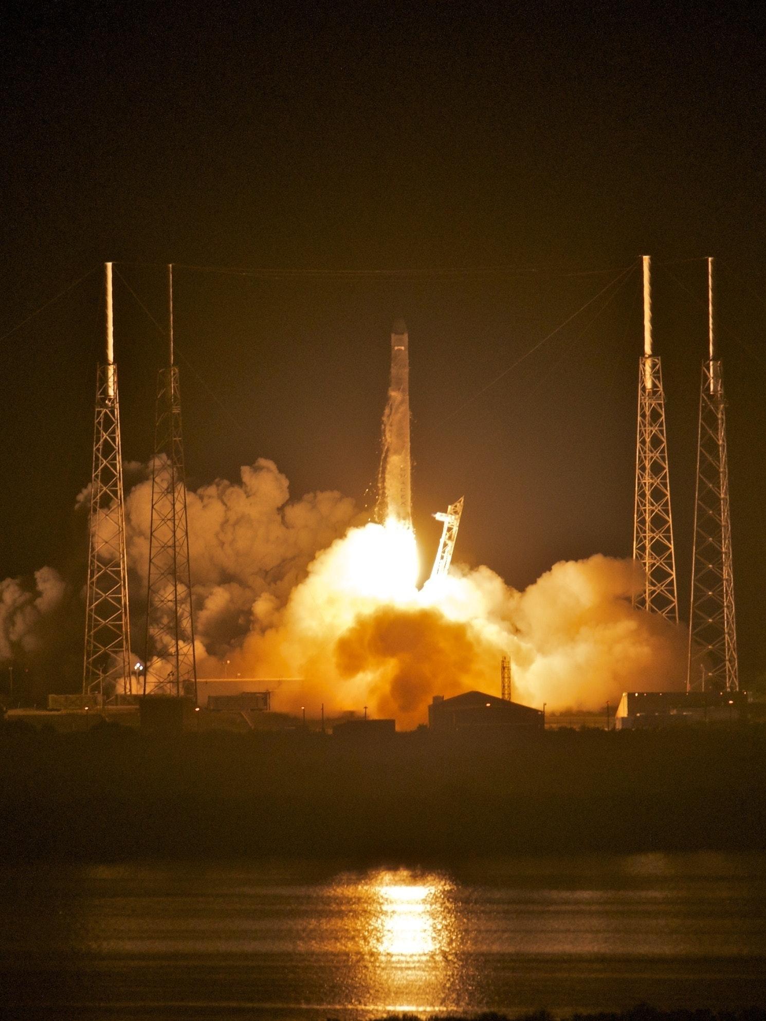 Falcon 9/Dragon