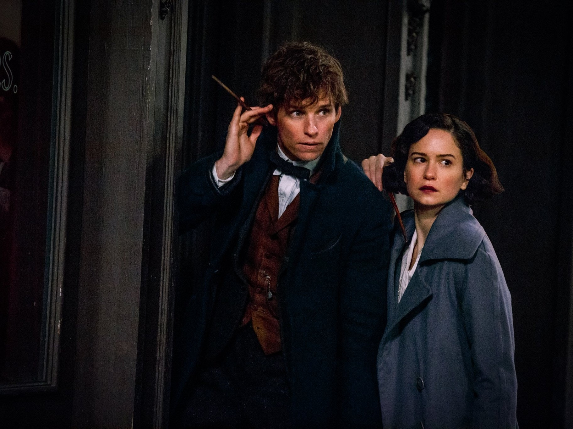 Eddie Redmayne and Katherine Waterston