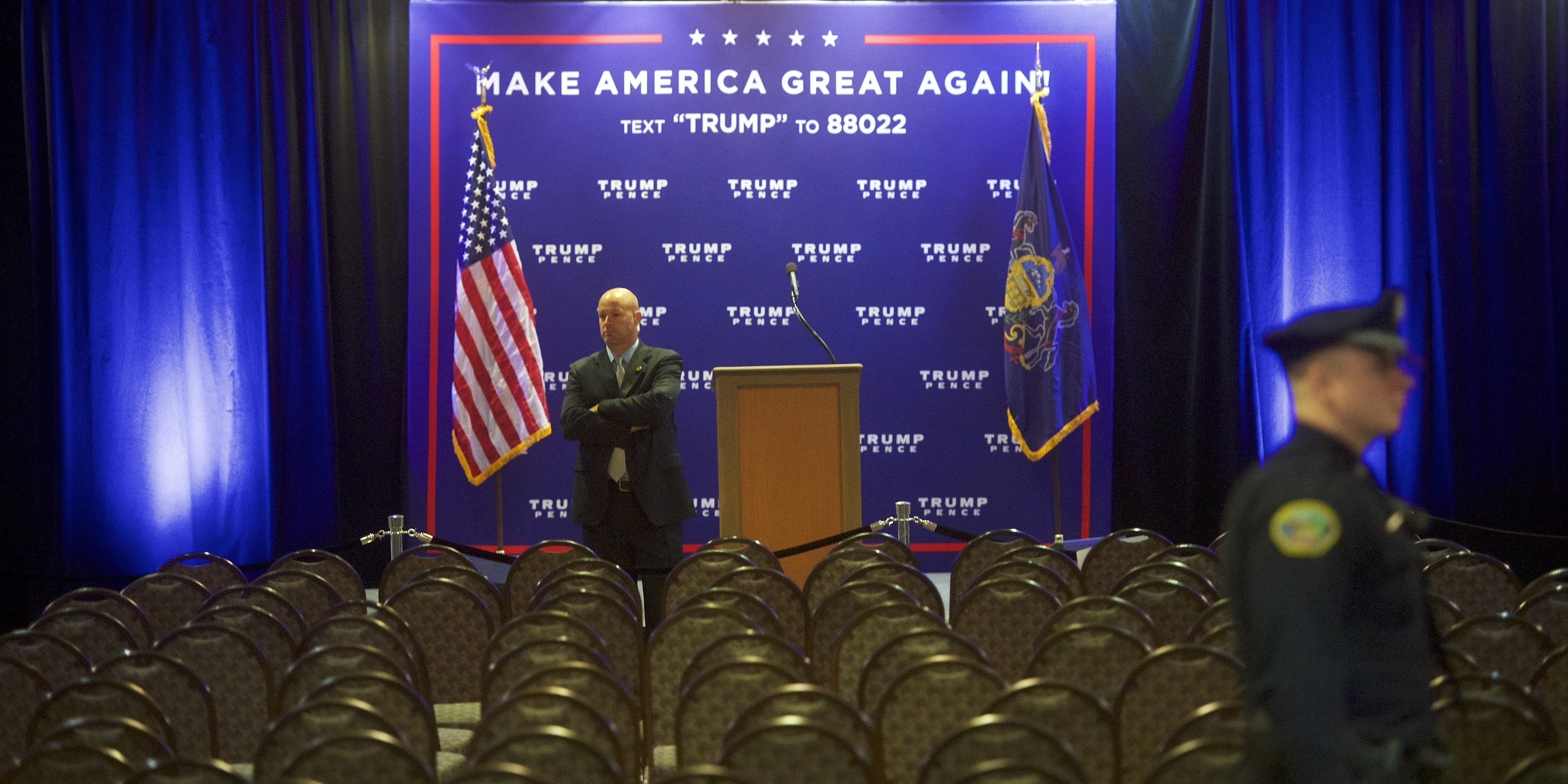 A secret service agent monitors activity after Republican Presidential nominee Donald J. Trump held an event at the Eisenhower Hotel and Conference Center October 22, 2016 in Gettysburg, Pennsylvania.  Trump delivered a policy speech announcing his plans for his first 100 days in office.