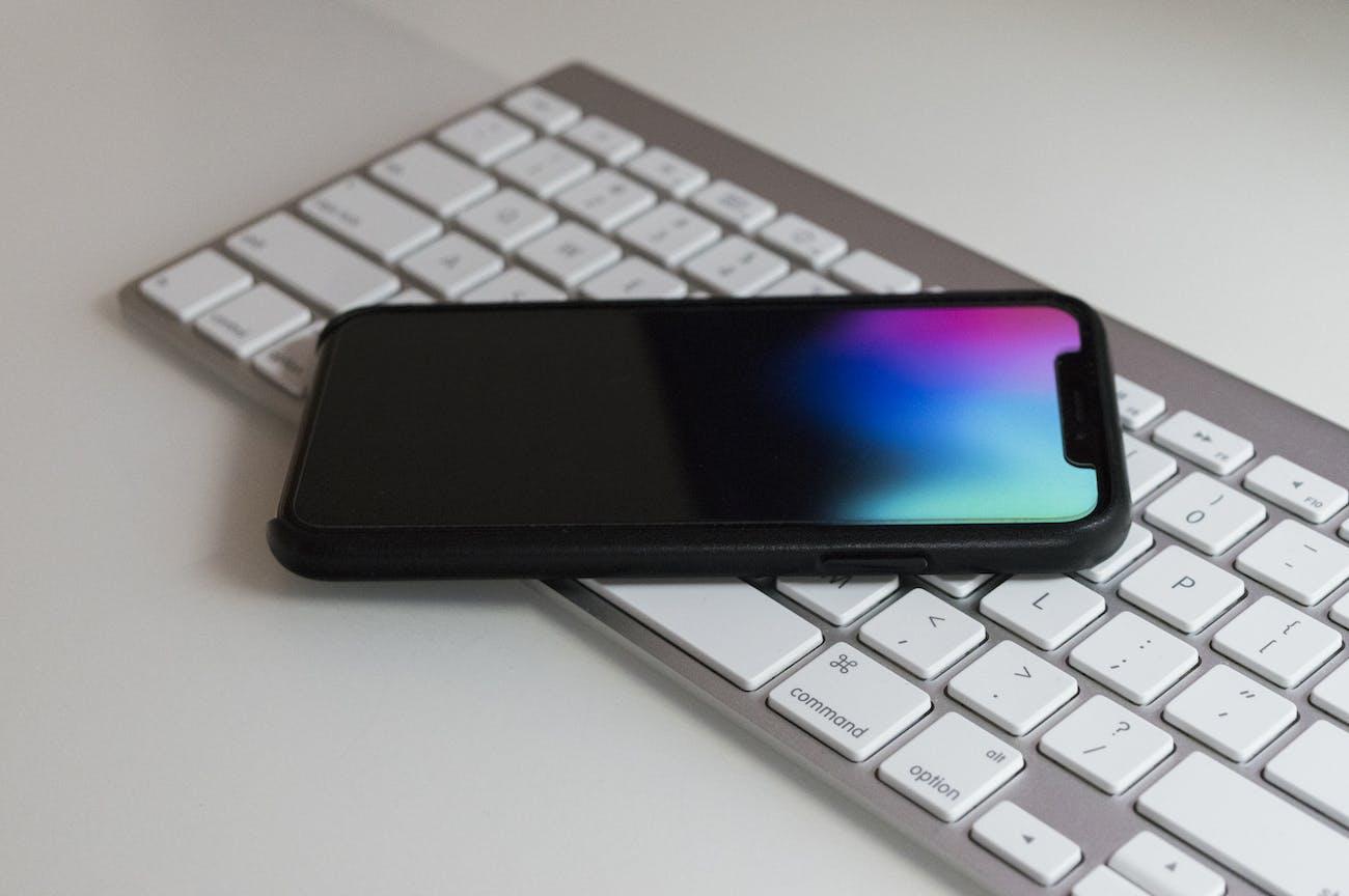 iphone x keyboard apple smartphone