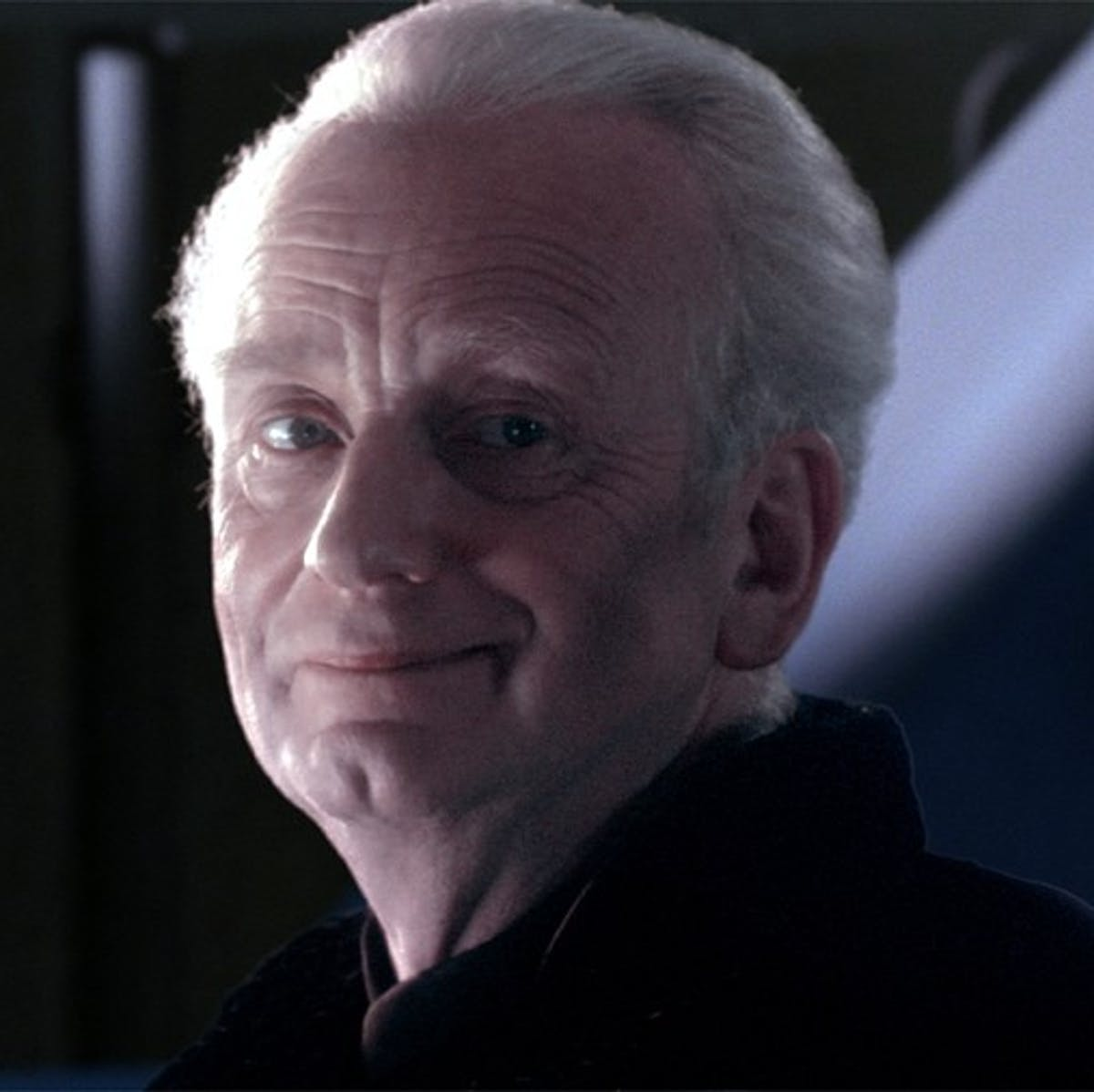 'Star Wars 9' Leaks May Explain the Mystery of Palpatine's Compass