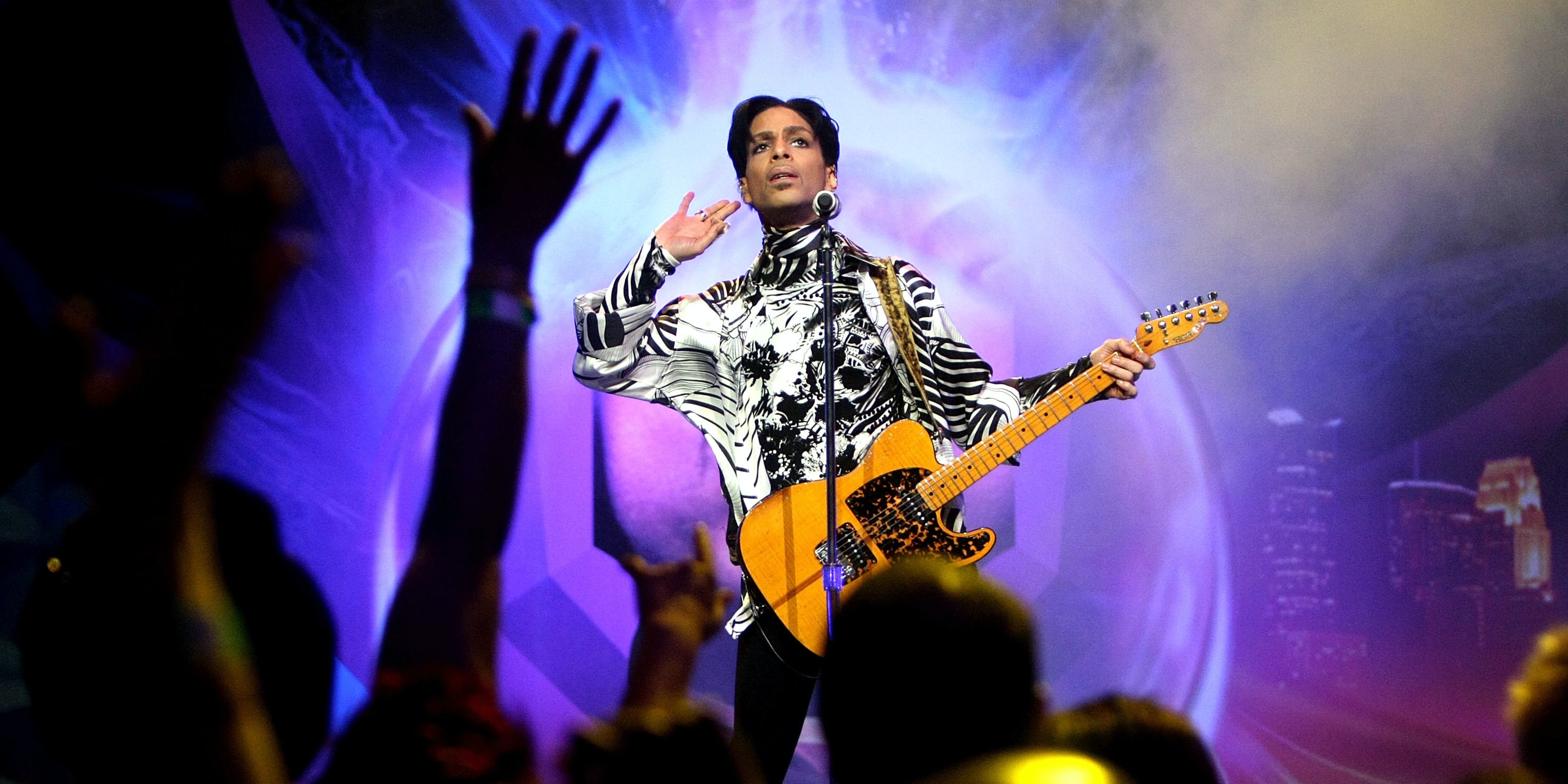 Prince at a performance in LA in 2009.