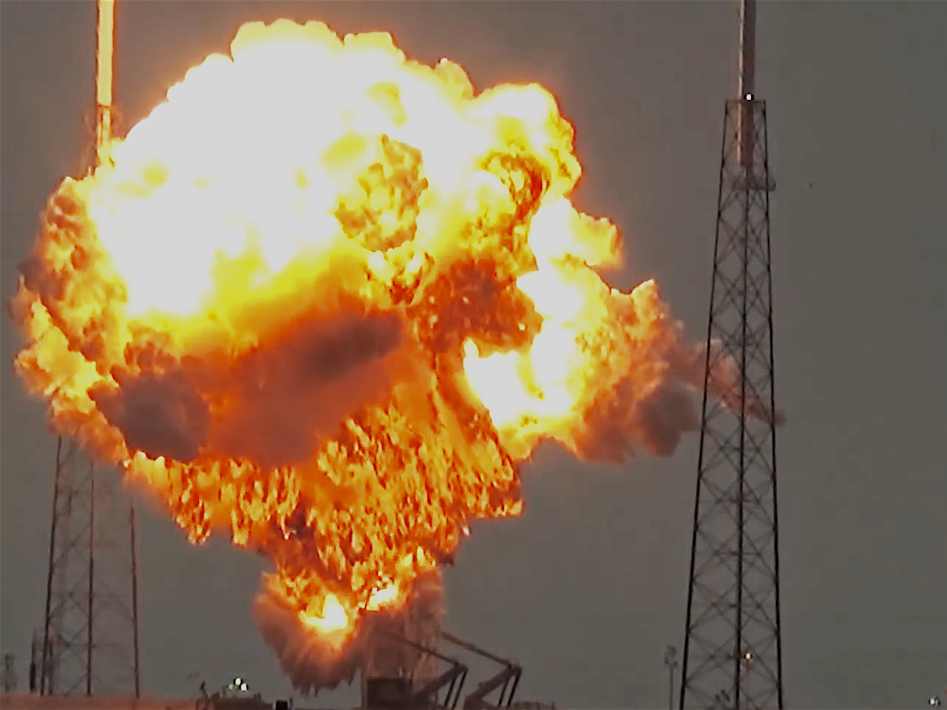 Did a UFO Sabotage the SpaceX Falcon 9 Test?