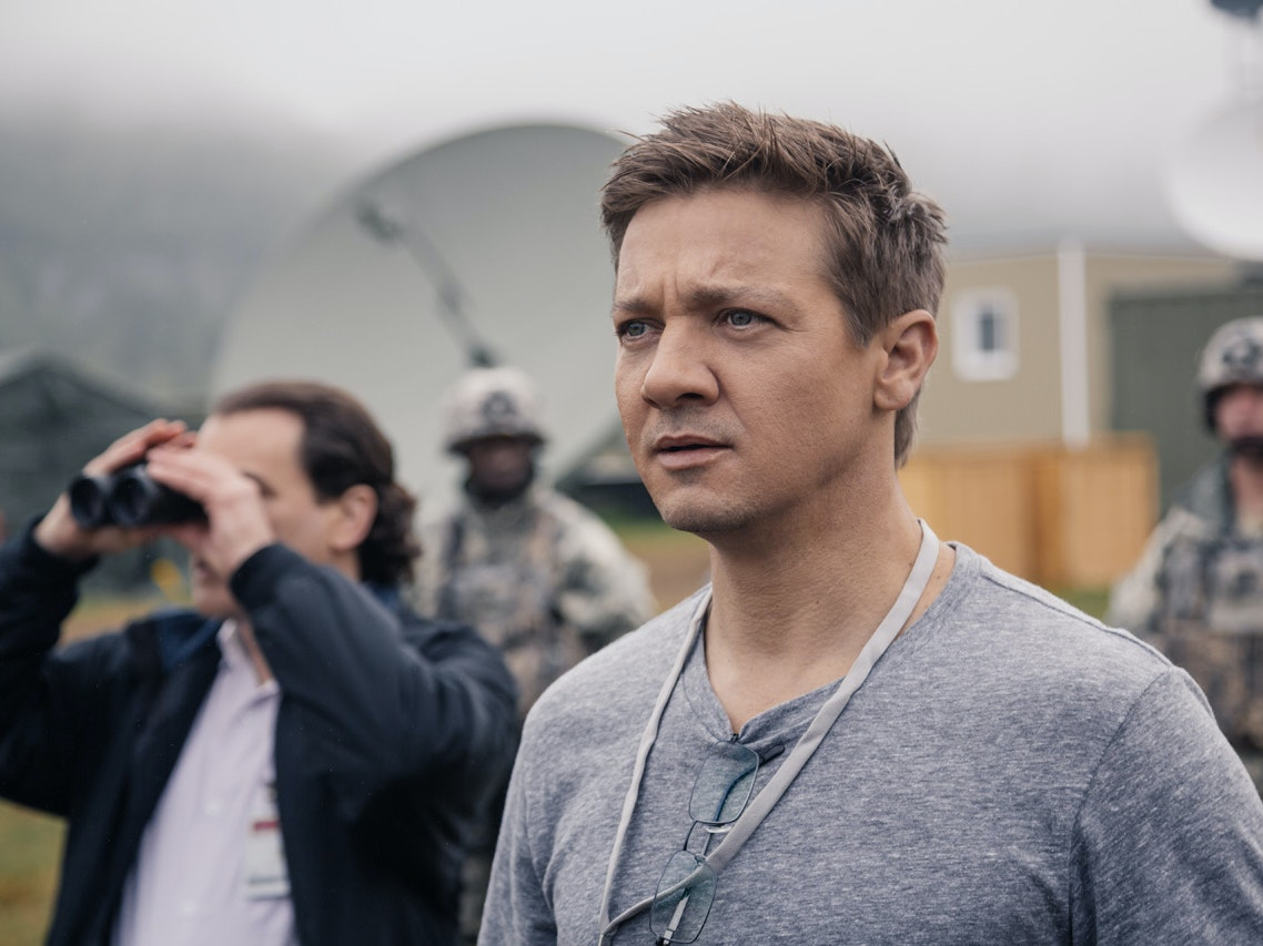 Jeremy Renner in 'Arrival'