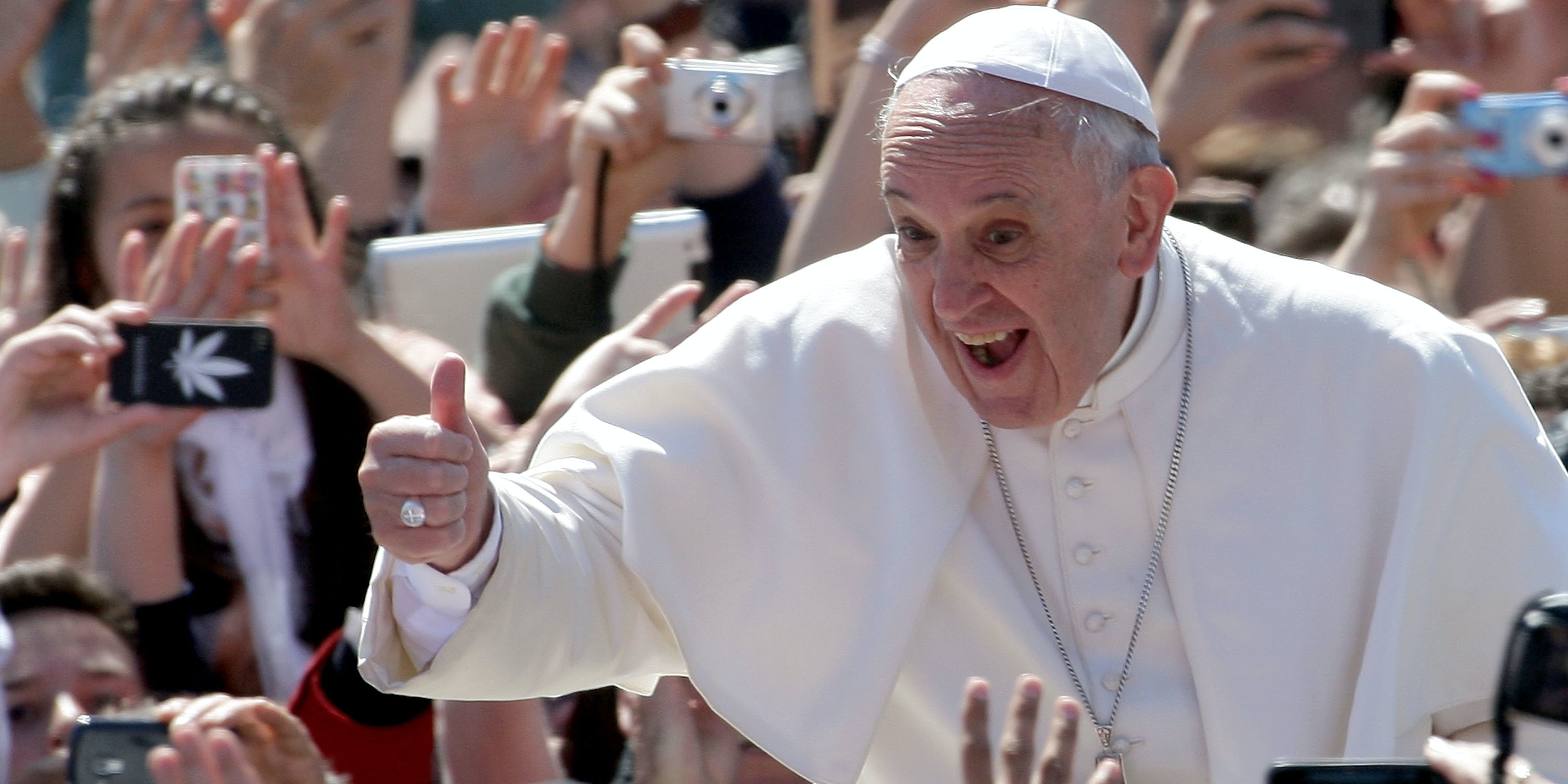 Pope Francis Smiles Camera Twitter Secrets Revealed