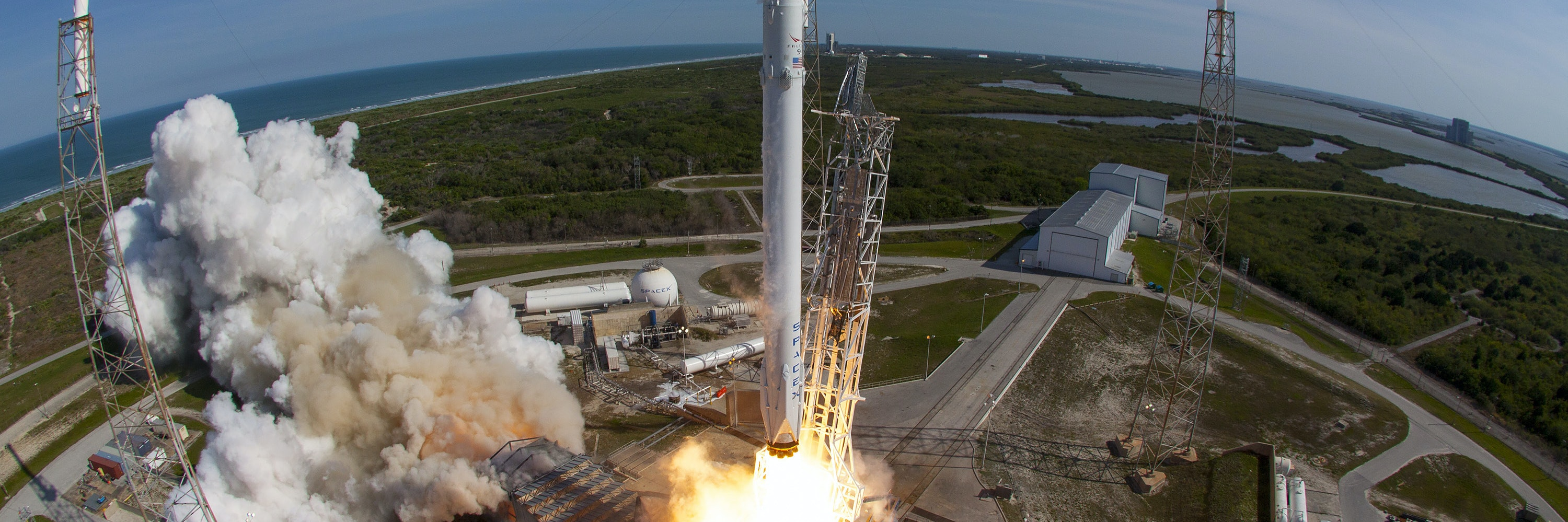 In this handout provided by the National Aeronautics and Space Administration (NASA), SpaceXs Falcon 9 rocket and Dragon spacecraft lift off from Launch Complex 40 at the Cape Canaveral Air Force Station for their eighth official Commercial Resupply (CRS) mission on April 8, 2016 in Cape Canaveral, Florida.