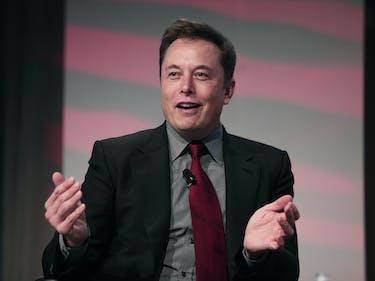 """Elon Musk Is """"Making Progress"""" on a Neural Lace Brain Hack"""