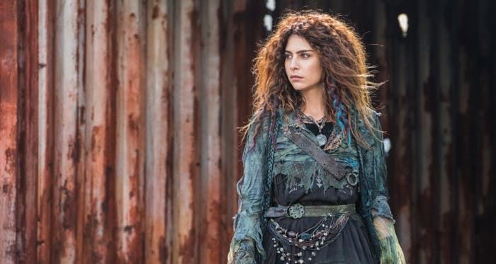 Nadia Hilker as Luna in 'The 100'
