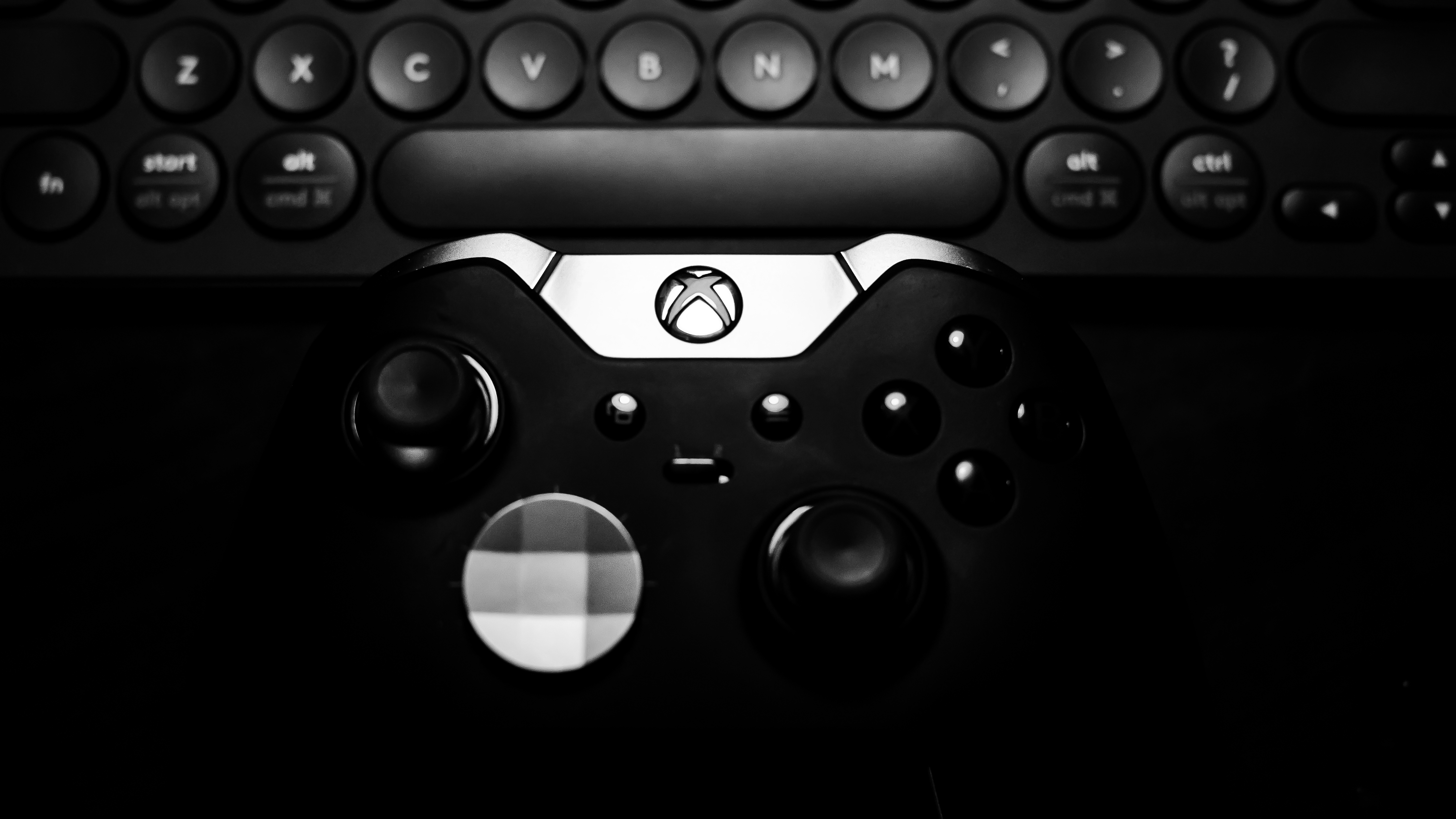 PS5 vs  New Xbox: Microsoft's Console Could Beat Sony's in This Key