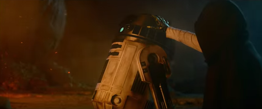 An image from Rey's visions of Luke in 'The Force Awakens'