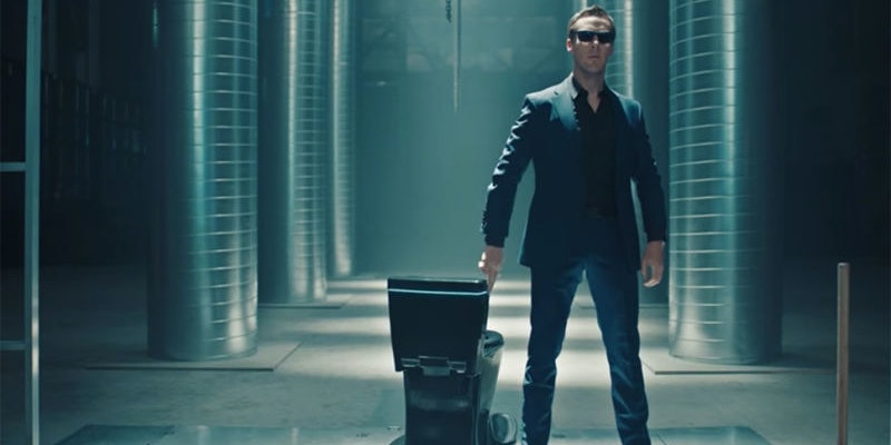 """Benedict Cumberbatch mocks 1984 Apple commercial with the """"Koohl"""" toilet on SNL."""