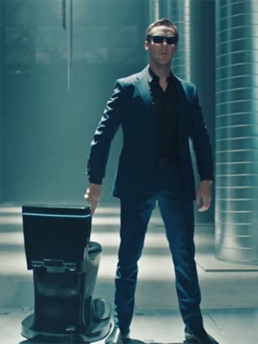 "Benedict Cumberbatch mocks 1984 Apple commercial with the ""Koohl"" toilet on SNL."