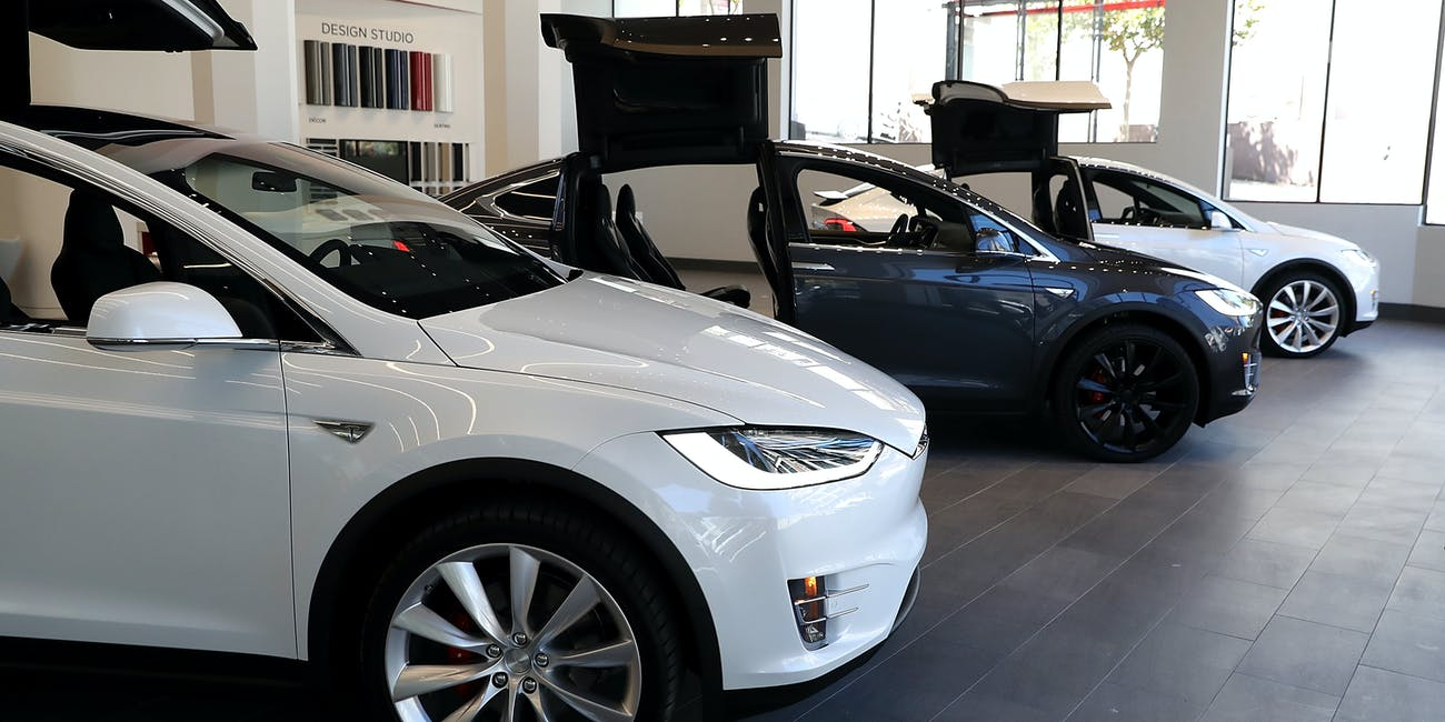 Analyst: Tesla Could Sell a Million Cars Far Sooner Than Predicted