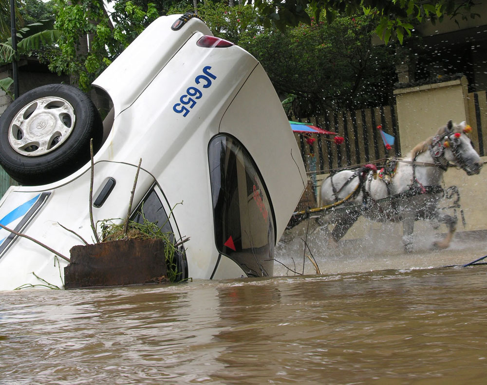 A drowned taxi during a 2007 flood.