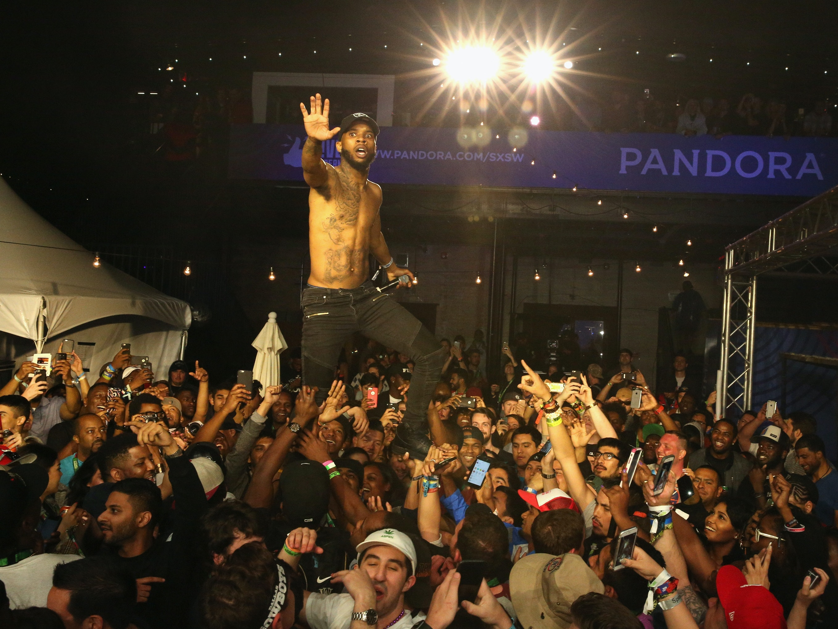 AUSTIN, TX - MARCH 18:  Rapper Tory Lanez performs onstage during the PANDORA Discovery Den SXSW on March 18, 2016 in Austin, Texas.  (Photo by Rachel Murray/Getty Images for Pandora)