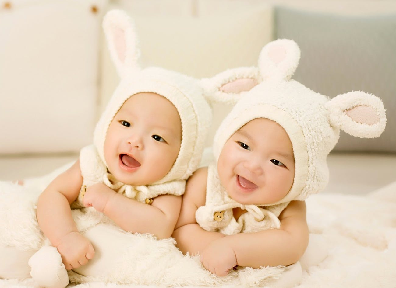 A pair of baby twins.
