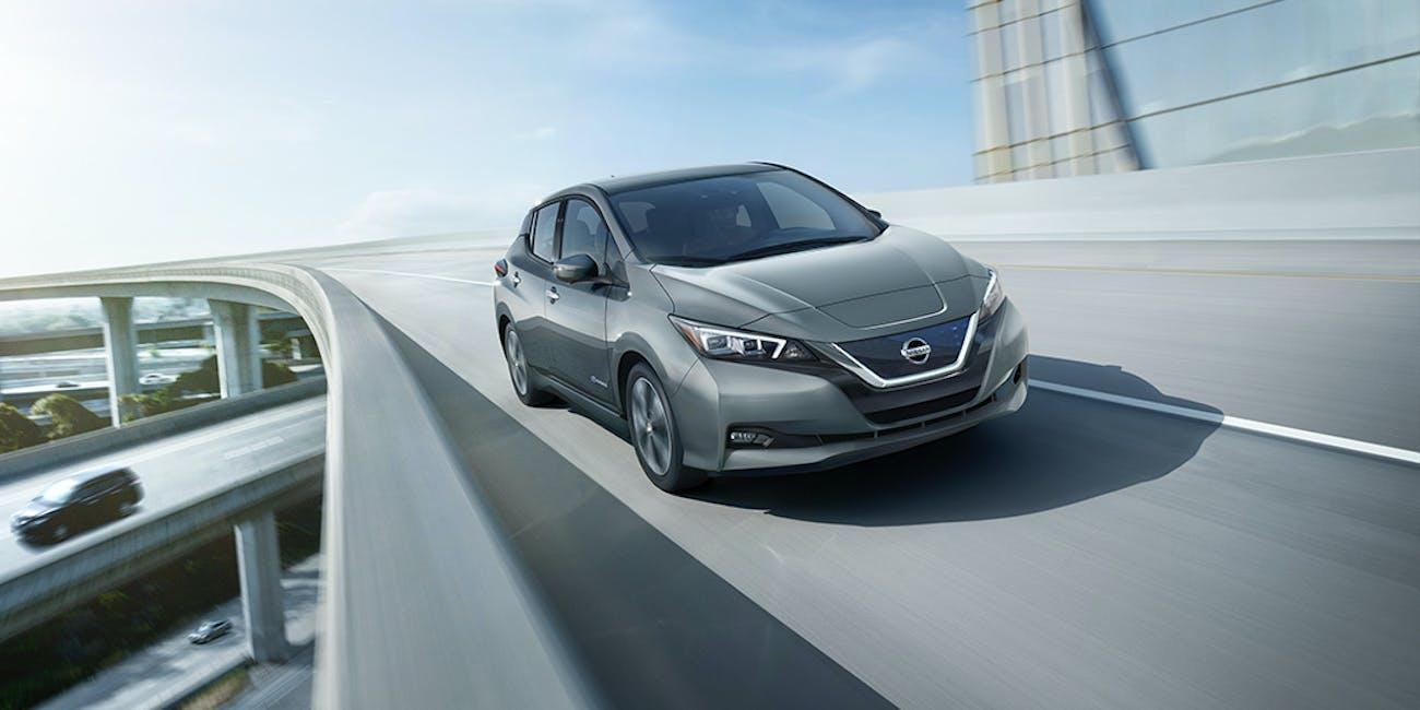 Nissan Leaf 2018 Vs Tesla Model 3 Battle For The Budget Range
