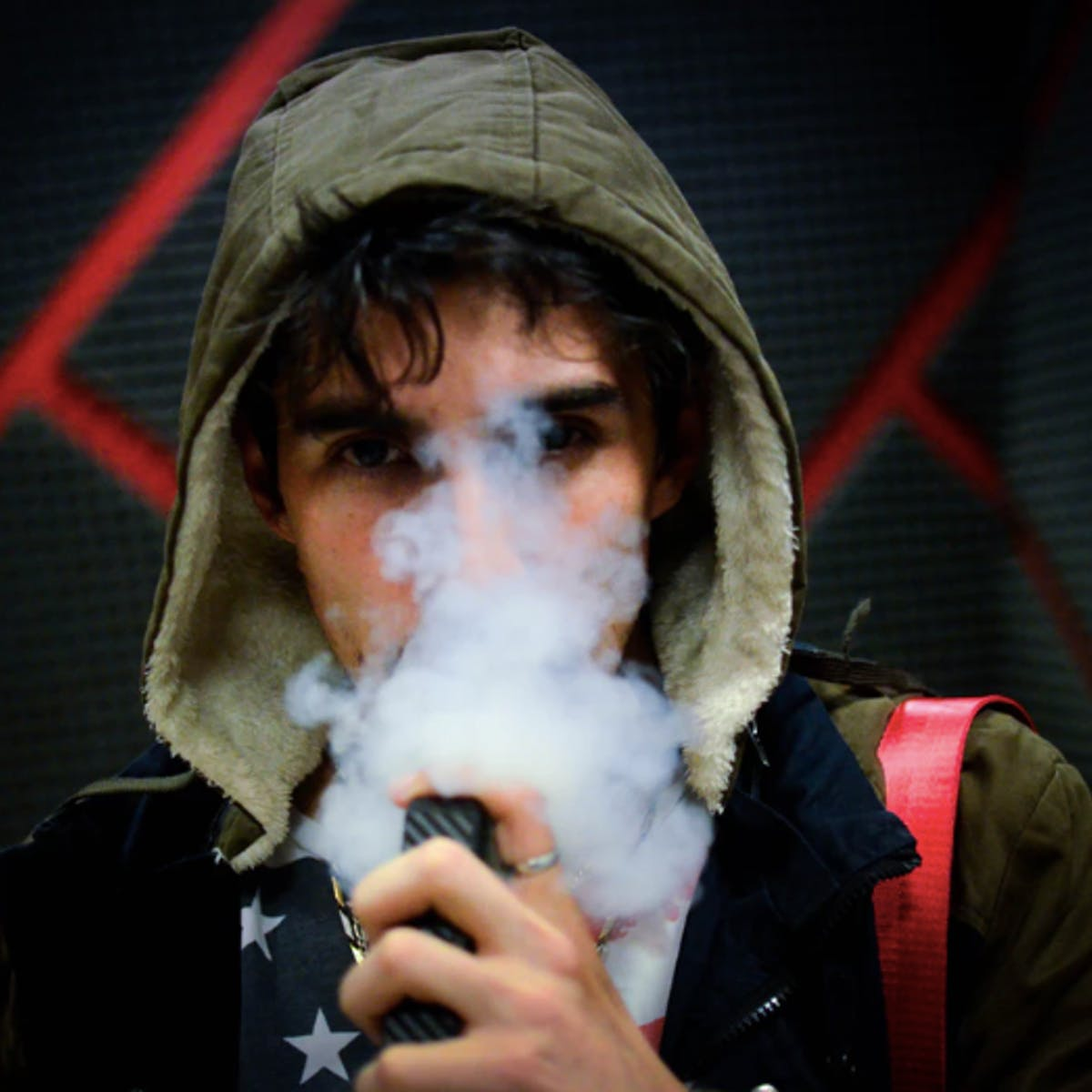 """Juul: """"Excessively High"""" Nicotine in Pods Is Toxic to Cells, Says Scientist"""
