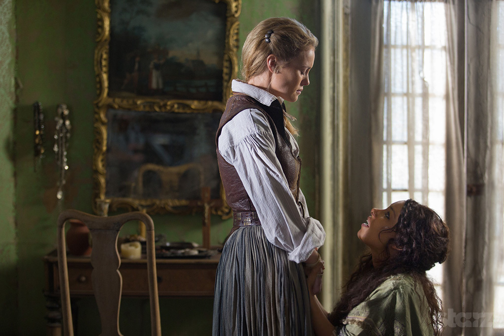 Hannah New as Eleanor Guthrie and Jessica Parker Kennedy as Max in 'Black Sails'
