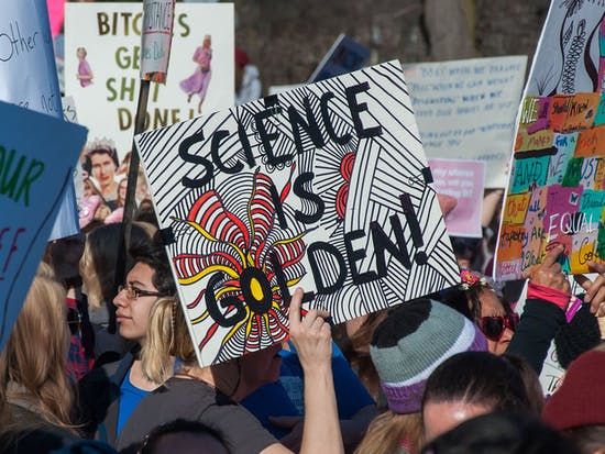 """This Paleontologist Calls BS on Science's """"Politicization"""""""