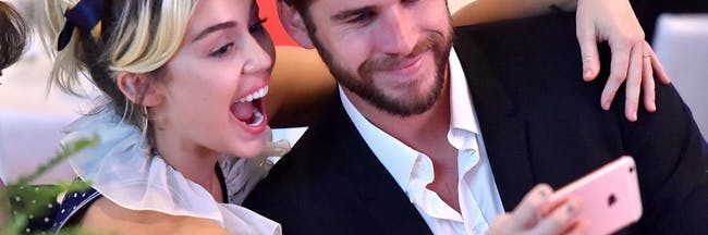 miley liam couple selfie