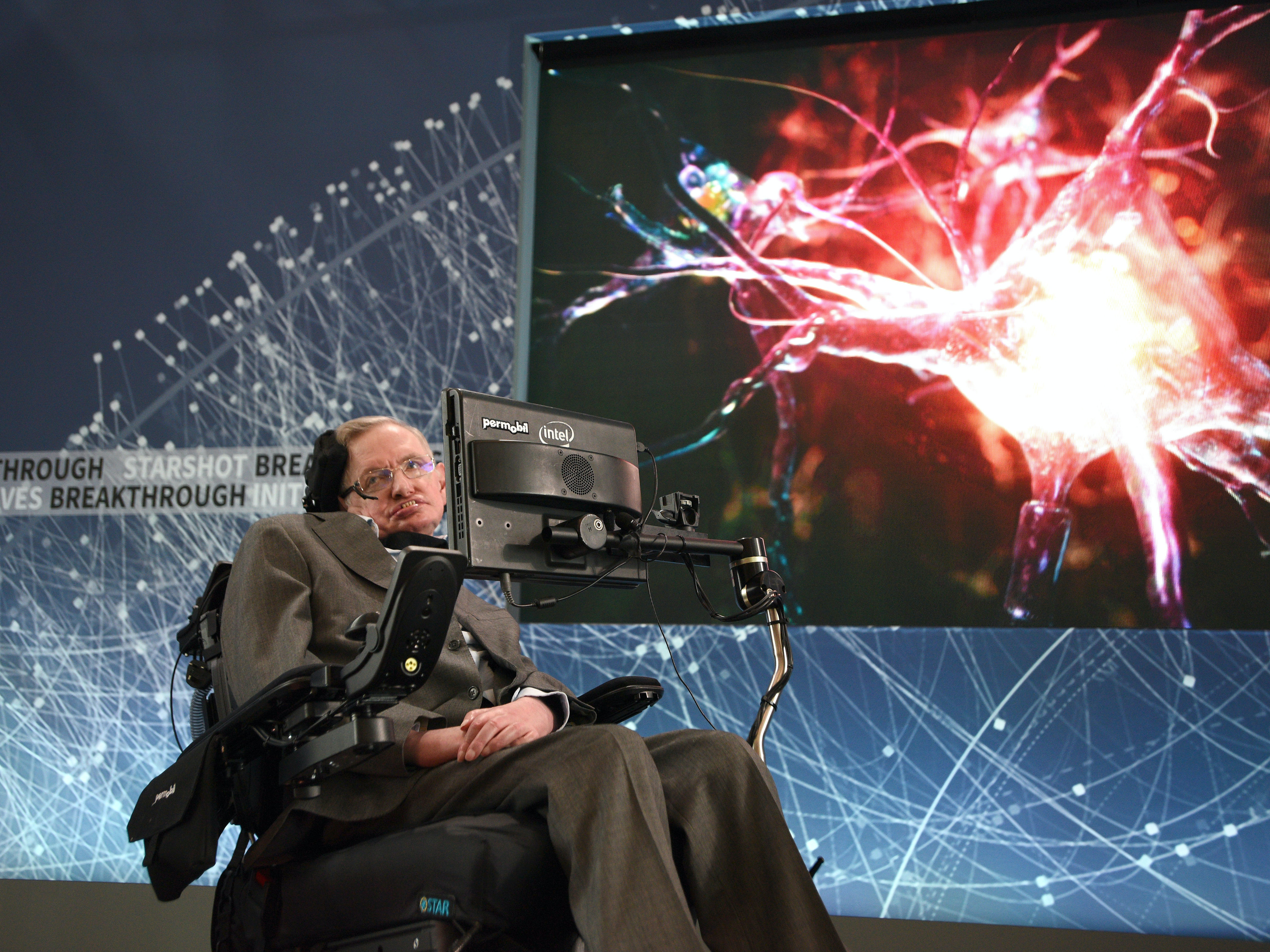 "Stephen Hawking Says He's Not a Cultural Icon Till He's ""Been on 'The Kardashians'"""