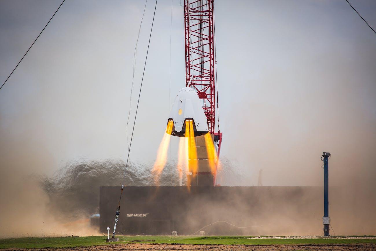 SpaceX Dragon Propulsive Descent Landing Test