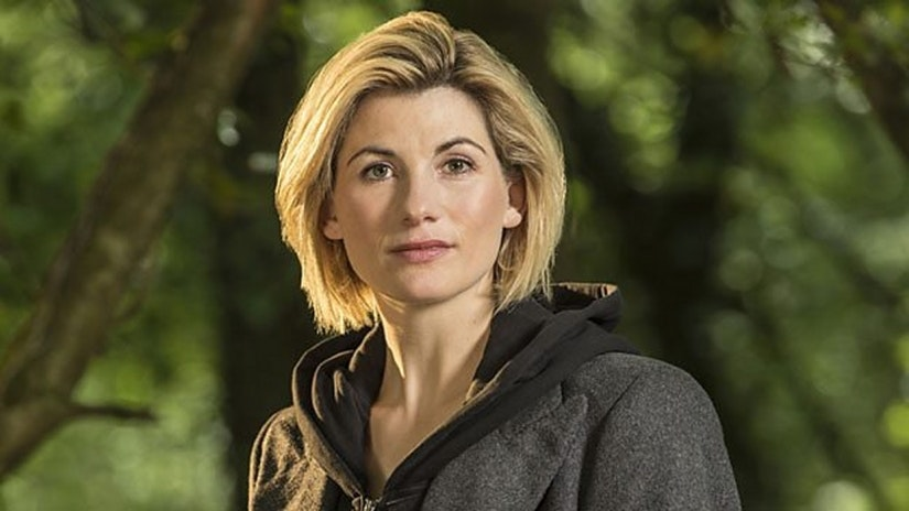 See the First Photo of the 13th Doctoru0027s New Hipster Look in u0027Doctor Whou0027  sc 1 st  Inverse & Doctor Whou0027: New Photo Reveals Epic Costume For Jodie Whittaker ...
