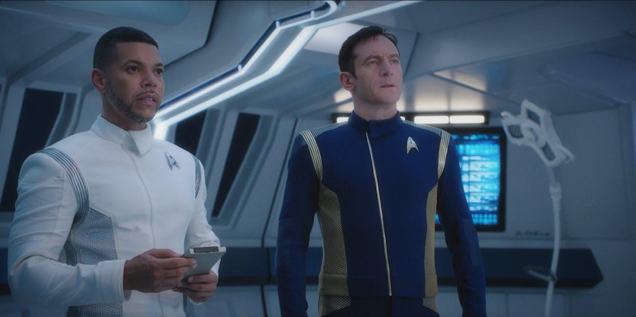 Dr. Culber (Wilson Cruz) and Cpatain Lorca (Jason Isaacs) in 'Star Trek: Discovery.'