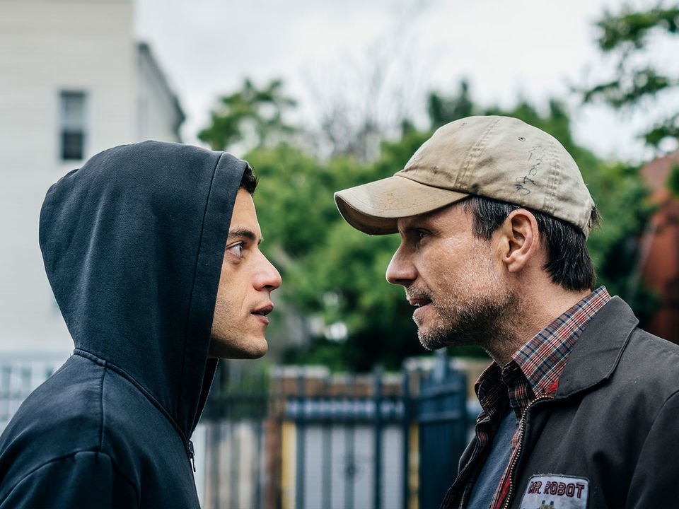 Elliot Reboots His System in a Laggy 'Mr. Robot'