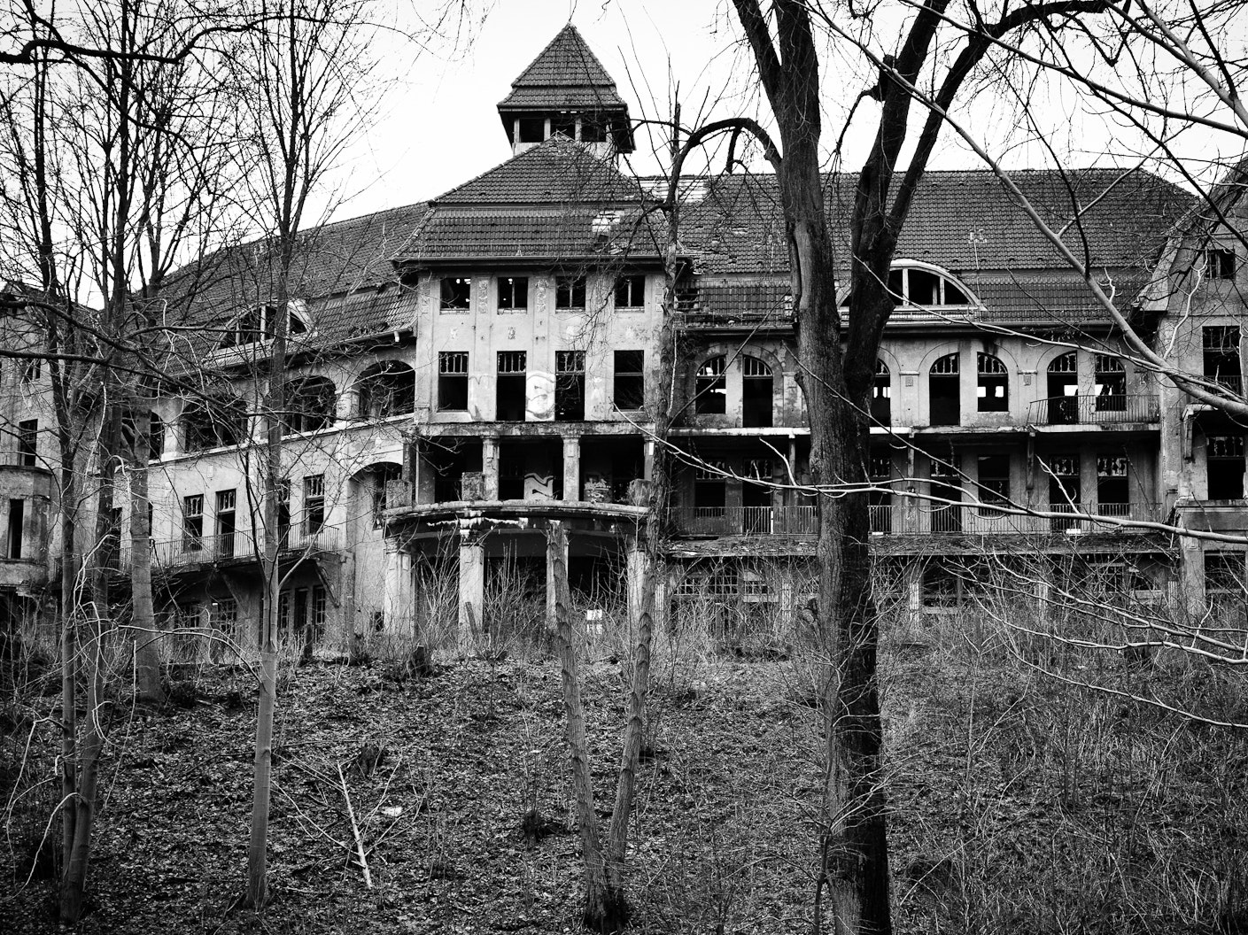 Why Haunted Houses Scare Us -- Even If We Know They're Fake