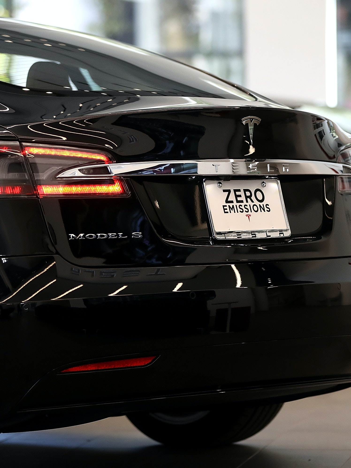 SAN FRANCISCO, CA - AUGUST 10:  A Tesla Model S is displayed inside of the new Tesla flagship facility on August 10, 2016 in San Francisco, California. Tesla is opening a 65,000 square foot store, its largest retail center to date. The facility will offer sales and service of Tesla's electric car line.  (Photo by Justin Sullivan/Getty Images)