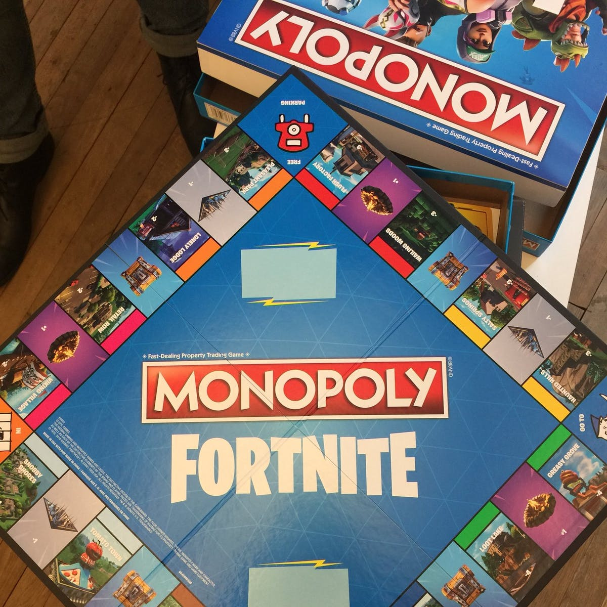 fortnite monopoly review nothing like either game but still a lot of fun inverse - fortnite monopoly rules pdf english