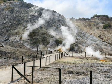 Italy's Supervolcano and the End of the Neanderthals