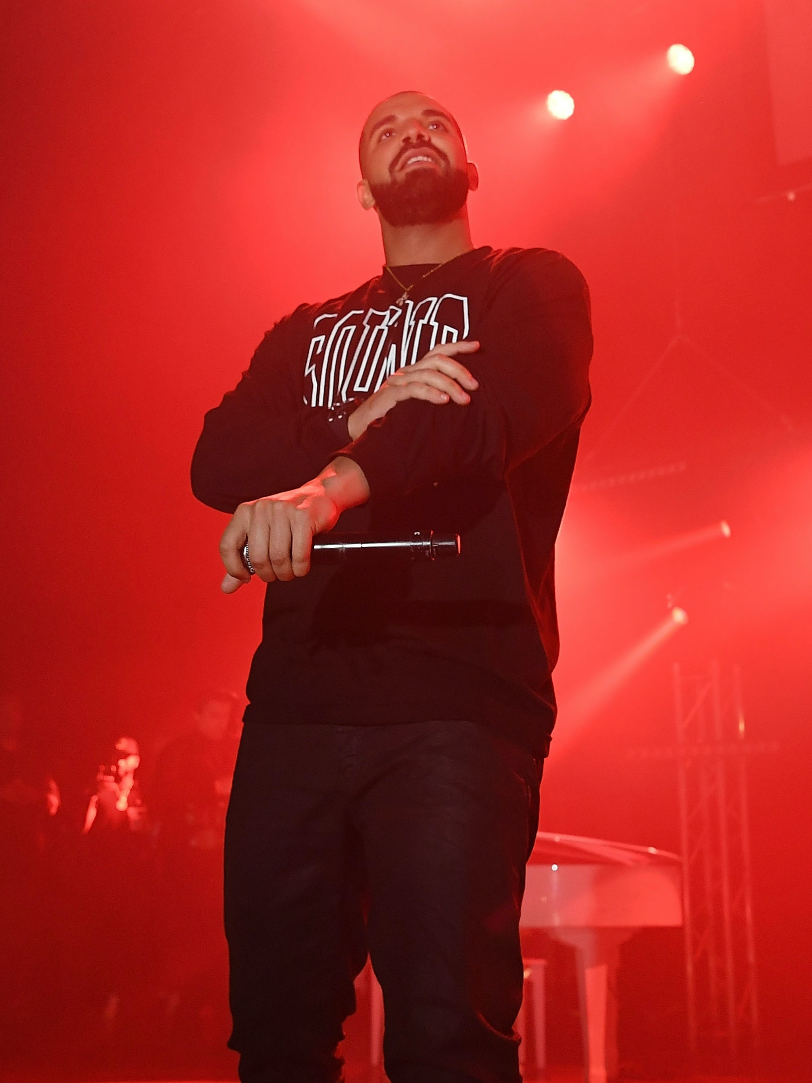 ATLANTA, GA - JULY 22:  Rapper Drake performs on stage at Gucci and Friends Homecoming Concert at Fox Theatre on July 22, 2016 in Atlanta, Georgia.  (Photo by Paras Griffin/Getty Images for Atlantic Records)