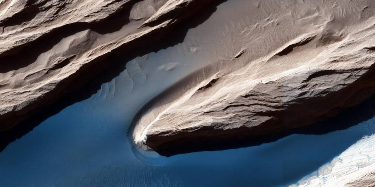 Example of wind on the Martian surface.