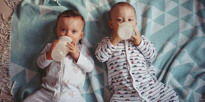 babies drinking
