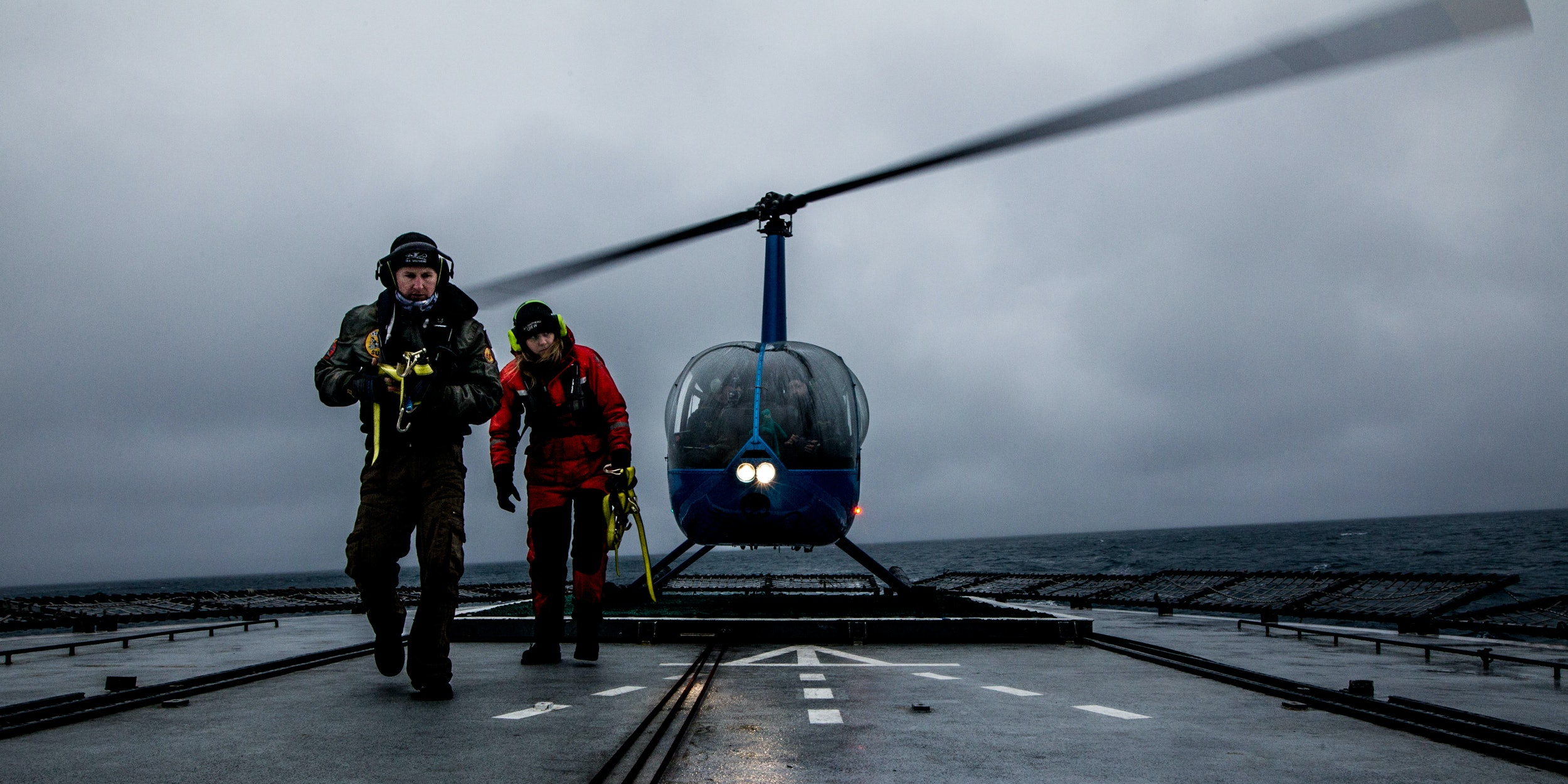 sea shepherd helicopter antarctica japanese whalers nemesis