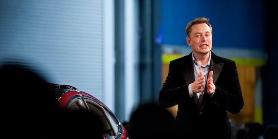 1001 Elon speaks to Model S reservation holders