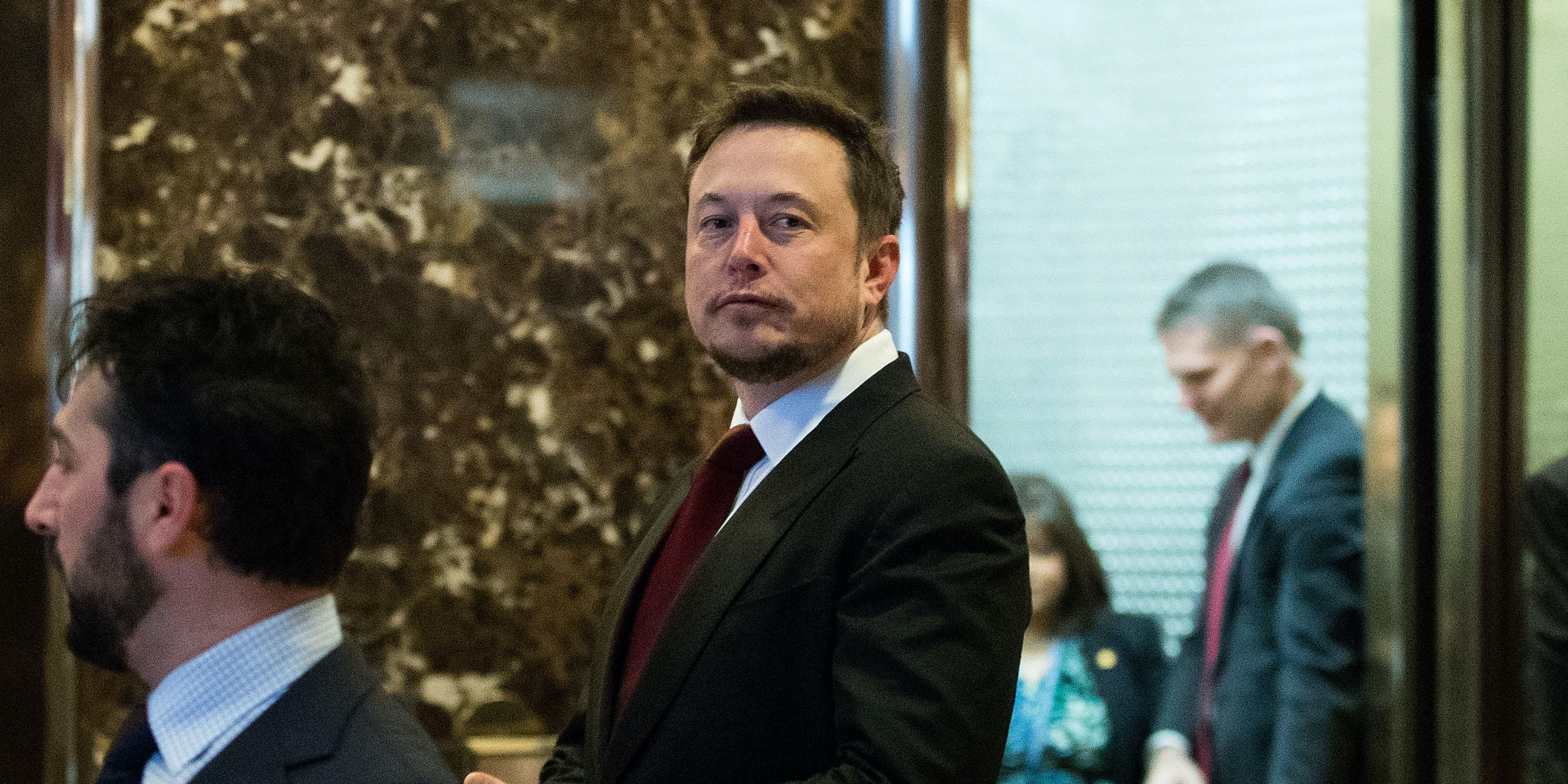 Entrepreneur Elon Musk arrives at Trump Tower, January 6, 2017 in New York City. President-elect Donald Trump and his transition team are in the process of filling cabinet and other high level positions for the new administration.