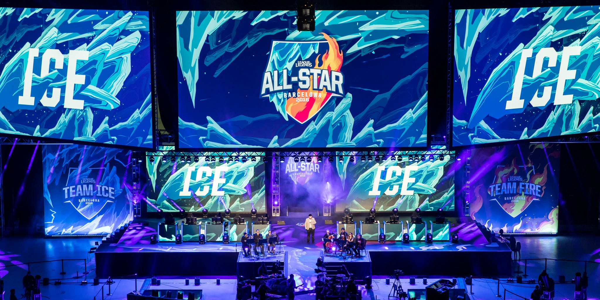 The closing cermony on the final day of the League of Legends All-Star Event, at the Palau Sant Jordi in Barcelona, Spain on 11 December, 2016.