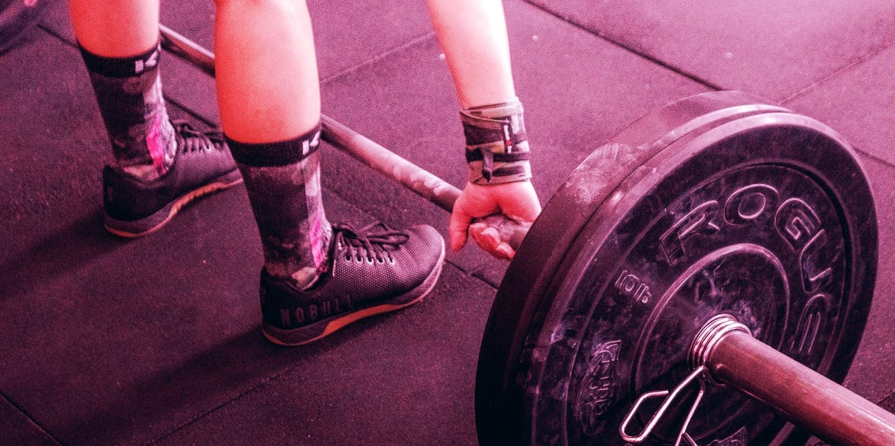 Is CrossFit More Dangerous Than Weightlifting? The Basic Risks, Explained