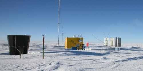 Equipment at Dome A, one of the only places on Earth astronomers can observe terahertz radiation from the ground.