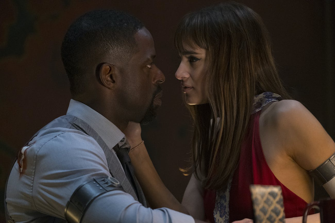 Waikiki (Sterling K. Brown) and Nice (Sofia Boutella) share a tense, sexy moment in 'Hotel Artemis'.