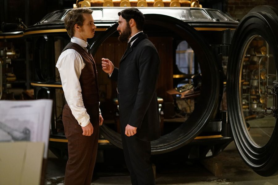 Freddie Stroma as H.G. Wells and Josh Bowman as Jack the Ripper in 'Time After Time'
