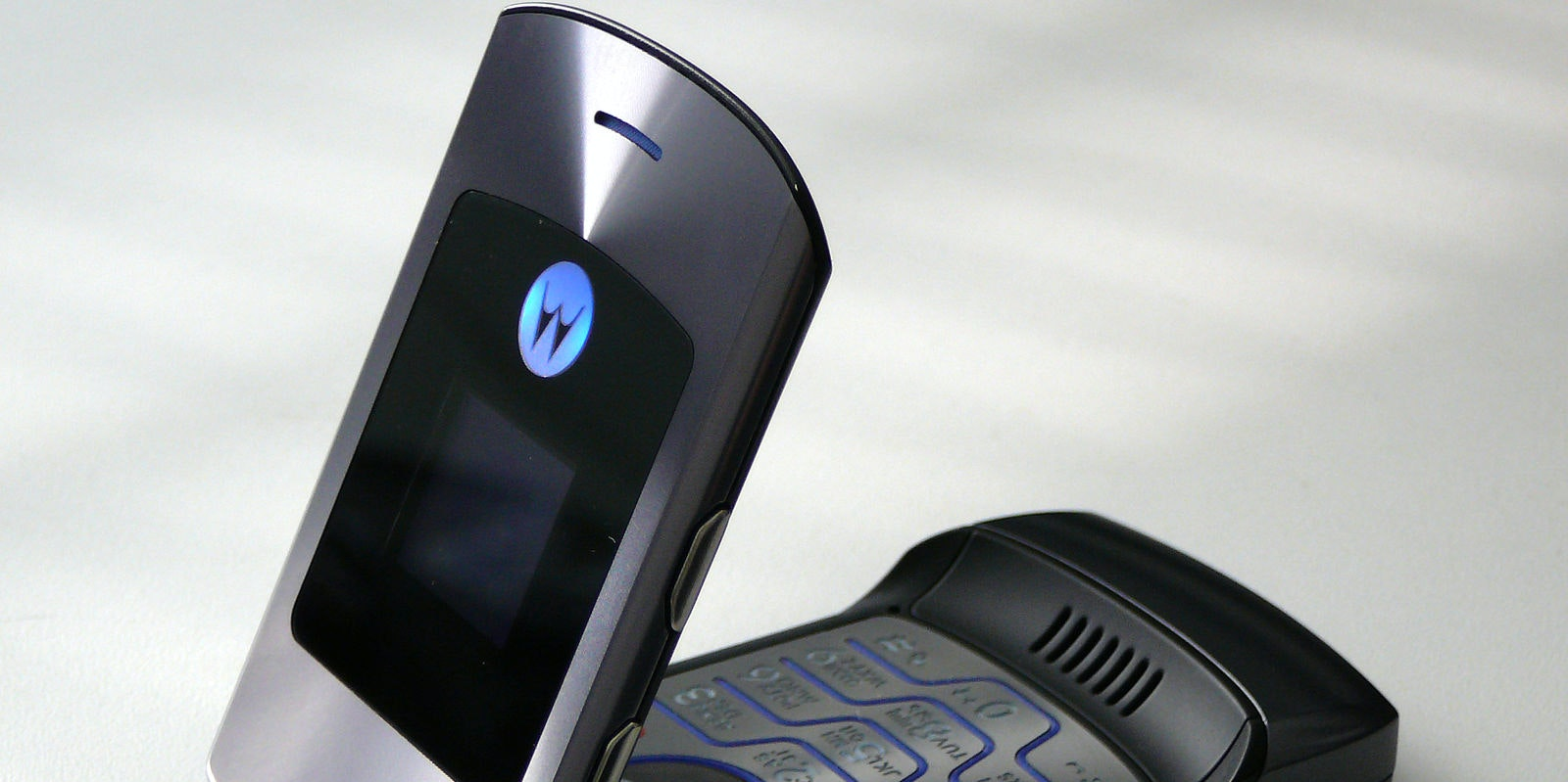 Motorola's New Razr Is the First Big-Name Foldable Smartphone to Get Price Tag
